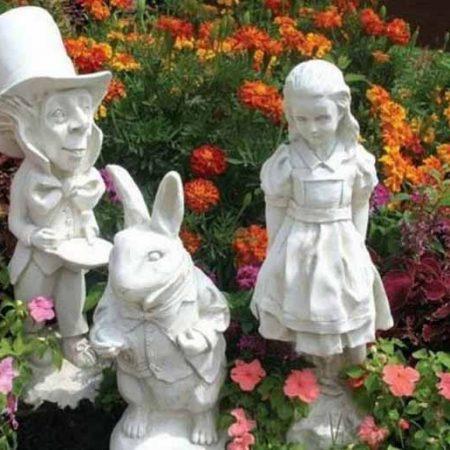 Преимущества садовых скульптур